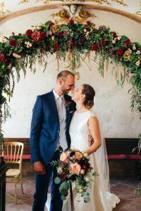 Glücklich verheiratet in Schloss Hof mit Hochzeitsplaner Die Hochzeitshummel   Foto: Nicole Heiling