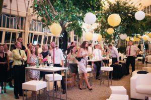 Urban Vienna Wedding   www.hochzeitshummel.at   photo: Peaches & Mint