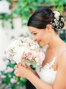 Wedding in Vienna | peonies & baby breath | photos: Melanie Nedelko